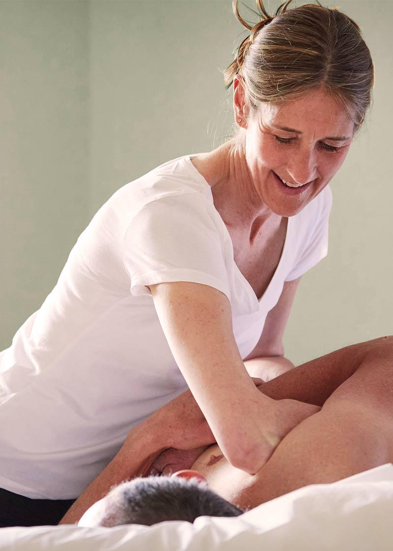 Katie Bench Osteopath nr Bath giving Osteopathy treatment